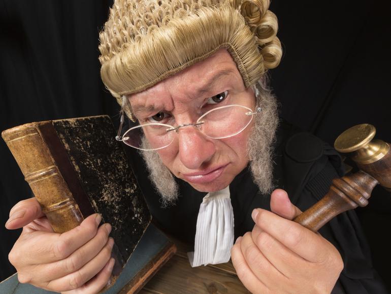 Cómo los fundadores de nuevas empresas pueden mantenerse en el lado correcto de la ley