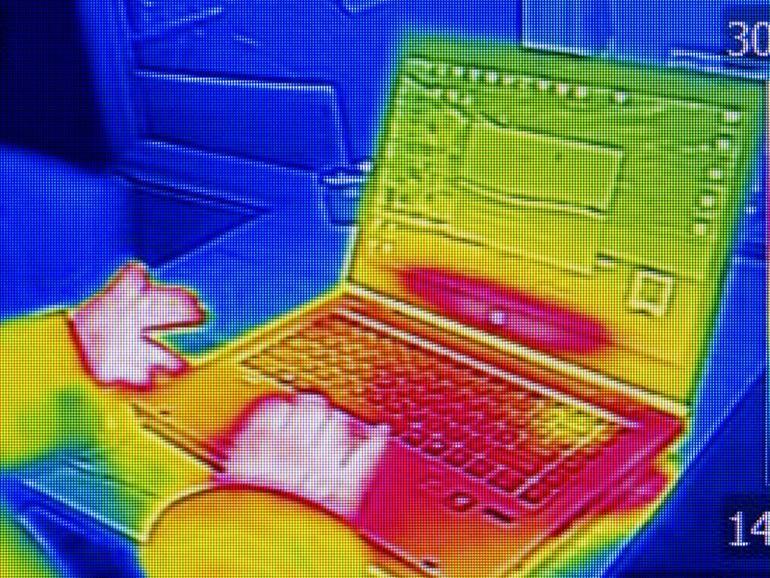 Cómo los hackers pueden robar su contraseña con una foto infrarroja de su teclado