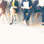 Cómo encontrar y entrevistar a candidatos para trabajos tecnológicos no tradicionales: Consejos para gerentes